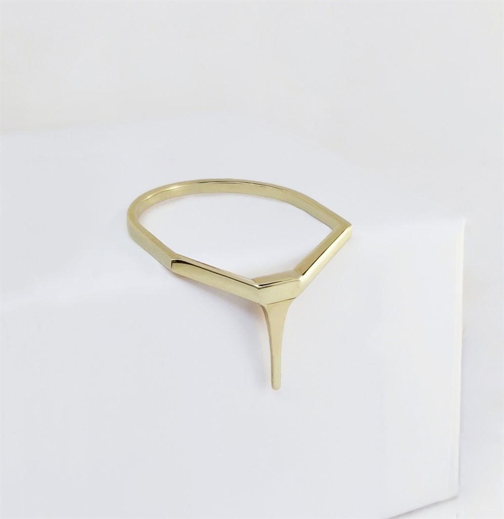 טבעת Tapered Bar זהב 14K