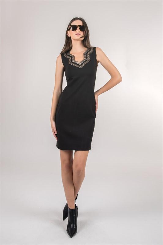 שמלה קטנה שחורה
