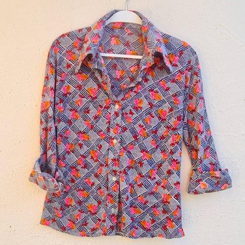 חולצת סבנטיז אגסים מכופתרת S/M
