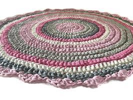 שטיח סרוג, שטיחים סרוגים שטיח סרוג לחדר של ילדה, שטיח סרוג ורוד, שטיח סרוג לחדר ילדים, עיצוב חדרי ילדים, מתנה לילדה, מתנה