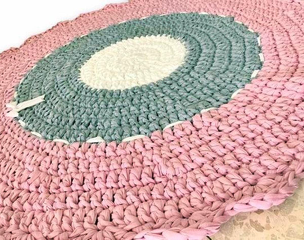 שטיח סרוג, שטיח דוגמת רטרו, שטיחים סרוגים , שטיח בצבעים מעושנים, ורוד מעושן, שטיחים סרוגים, שטיח עגול סרוג