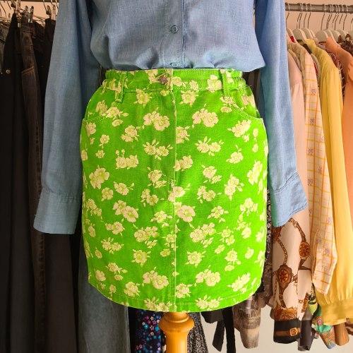 חצאית ג'ינס ירוקה פרחונית מידה S