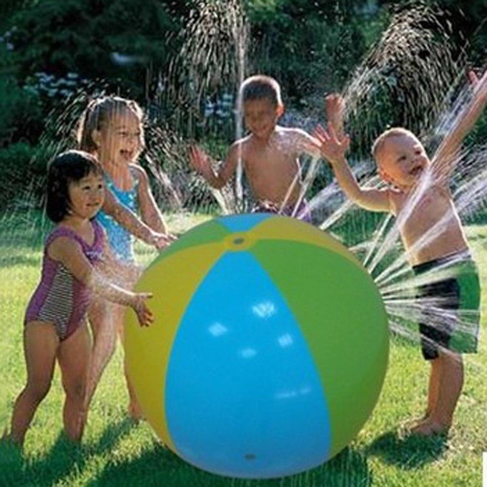 כדור מתנפח ענק משפריץ מים