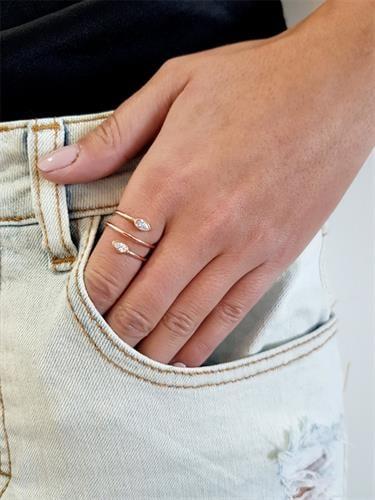 טבעת עדינה טיפות מסתובבות
