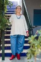 מכנסיים מדגם מיכאלה בצבע ג׳ינס בינוני (זאת אומרת לא בהיר ולא כהה)