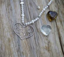לב ענק מנשיקות של לבבות