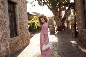 שמלת קים מקסי