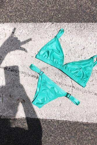 בגד ים GREEN APPLE - טופ אליאנה / תחתון מתכוונן