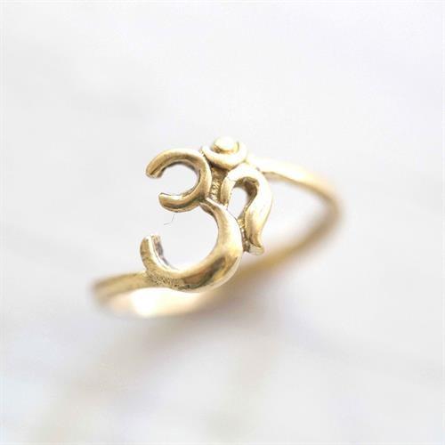 טבעת אום בראס
