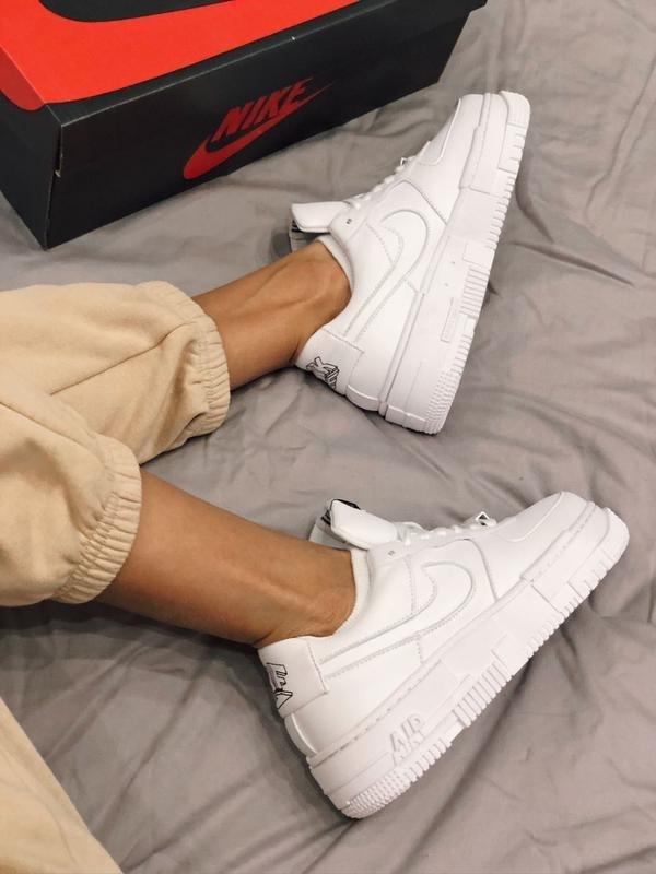 נעלי נשים NIKE AIR FORCE 1 PIXEL לבן