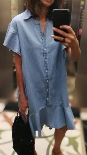 שמלת ג׳ינס כפתורים - כחול בהיר