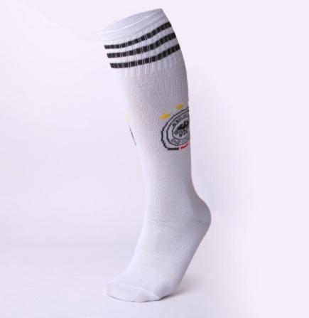גרביים גבוהות מדליקות בצבע לבן למשחקי BDSM
