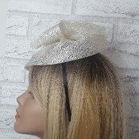 כובע לבן חגיגי - דגם צדף