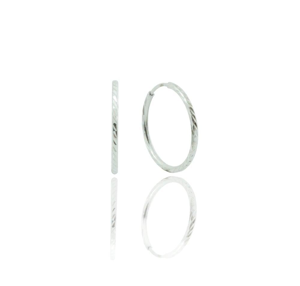 עגילי חישוק מעוצבים עם חריטת לייזר זהב לבן 14 קראט