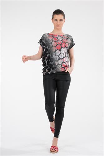 חולצה אסימטרית