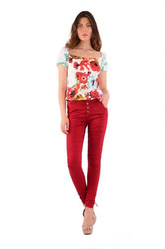 מכנס כותנה עם כפתורים בצבע אדום
