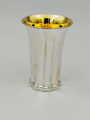 כוס קידוש כסף טהור דגם בסיס פרח