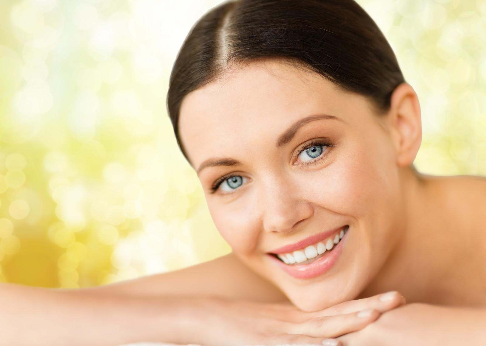 סרום יום לעור פנים חלק וזוהר  Aromatic Day Serum
