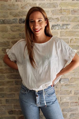 חולצת קרושה שרוולי מלמלה לבנה