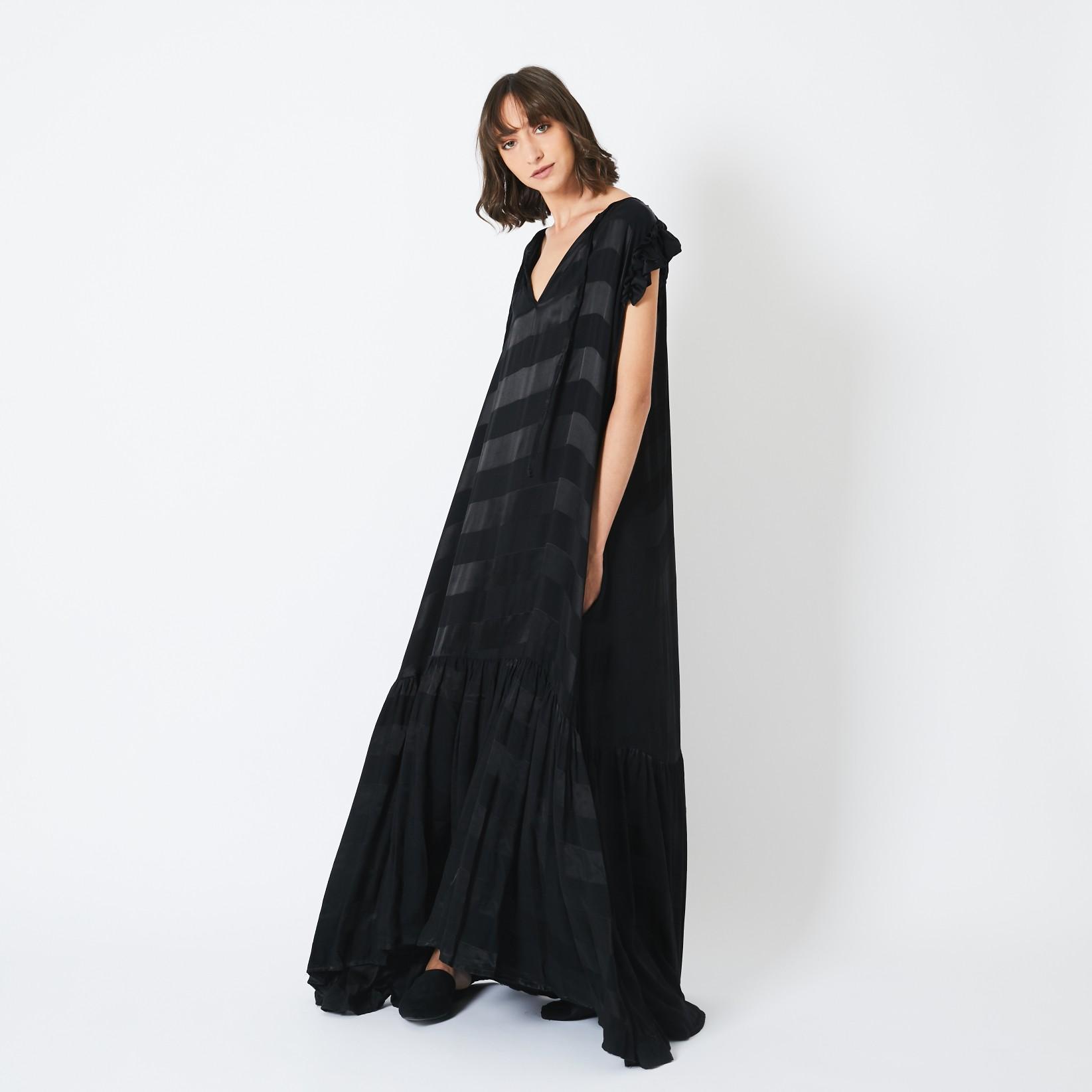 שמלת סטלה שחורה פסים