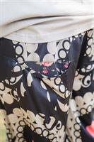 מכנסיים מדגם מיכאלה עם הדפס בדוגמה של מנדלות