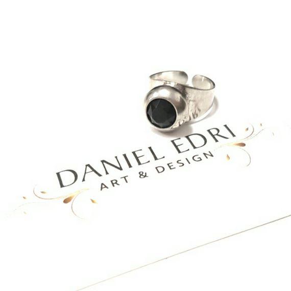 טבעת אבן שחורה