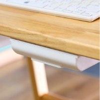 מגירת שולחן נדבקת