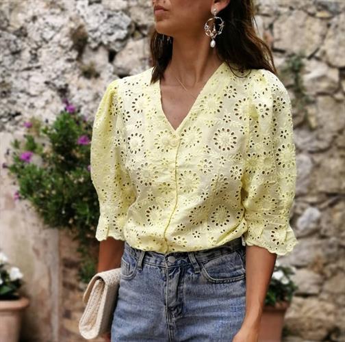 חולצת תחרה פריזאית - צהובה