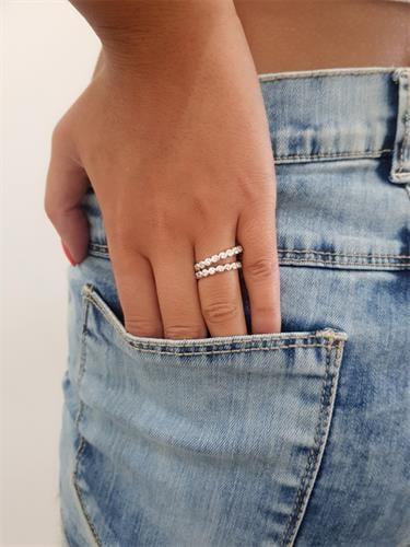 טבעת שורה סוליטרים