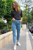 ג'ינס גבוה MOM גזור