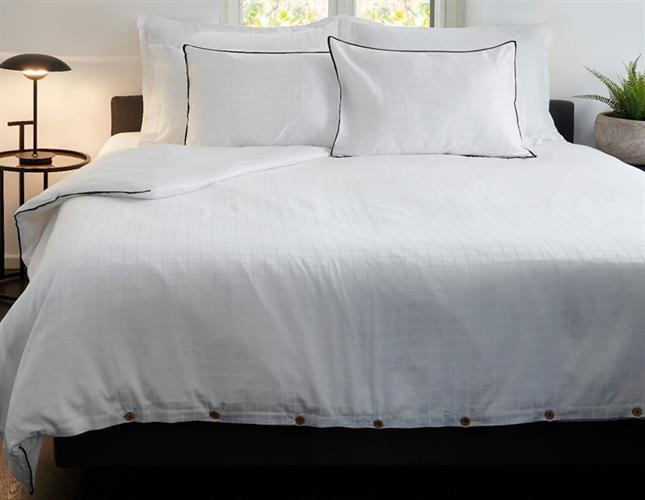 סט מלא זוגי כותנה מצרית 300 צפיפות חוט דגם קוביות לבן