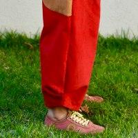 מכנסיים מדגם ג׳וזף מבד קורדרוי בצבע אדום