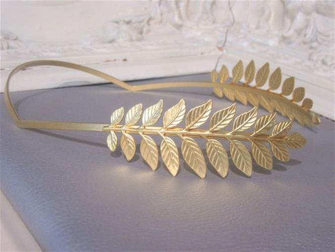 קשת הפוכה עלי זהב ציפוי 24K - נזר מלכותי לכלה