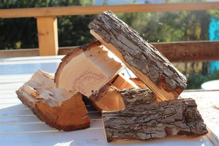 שבבי עץ גדולים לעישון בשר CHUNKS אלון