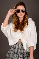 חולצת אוברסייז קרולין לבן/שחור