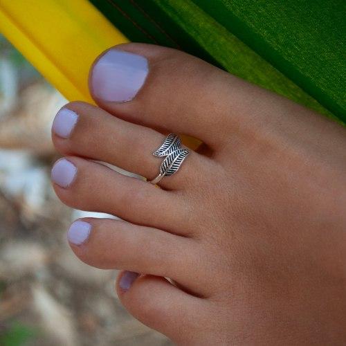 טבעת רגל נוצה