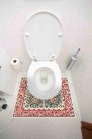 עיצוב איזור האסלה- מדבקה (39 ₪)  שטיחון  (88 ₪) סט (119 ₪) ברצלונה אדום TIVA DESIGN