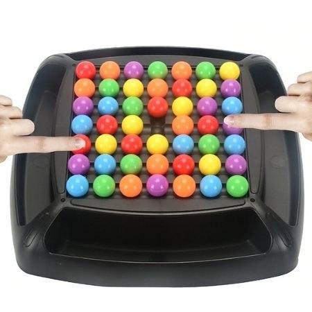 משחק לוח חשיבה צבעוני לכל המשפחה