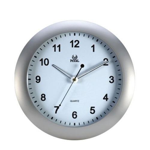 שעון קיר עגול עם מחוגים זוהרים