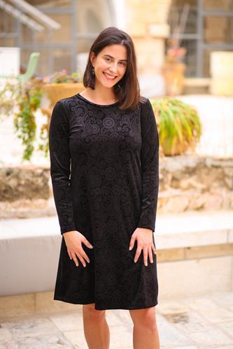 שמלת קטיפה בצבע שחור