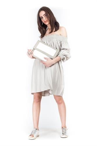 שמלת אלבינה בז'