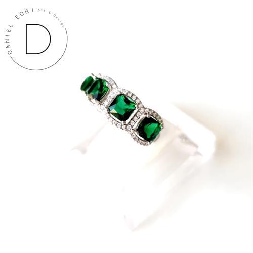 טבעת ריבועים משובצת- ירוק