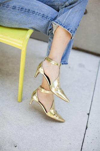 נעלי בלונדי זהב