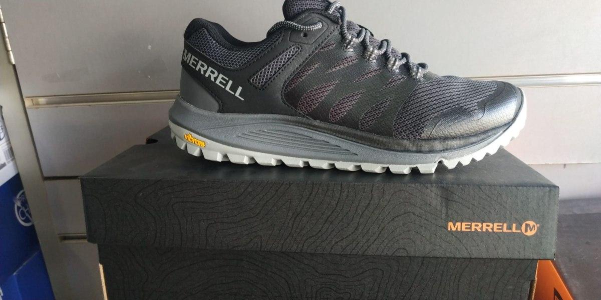 נעל ריצת שטח והליכה יום-יומית של חברת Merrell