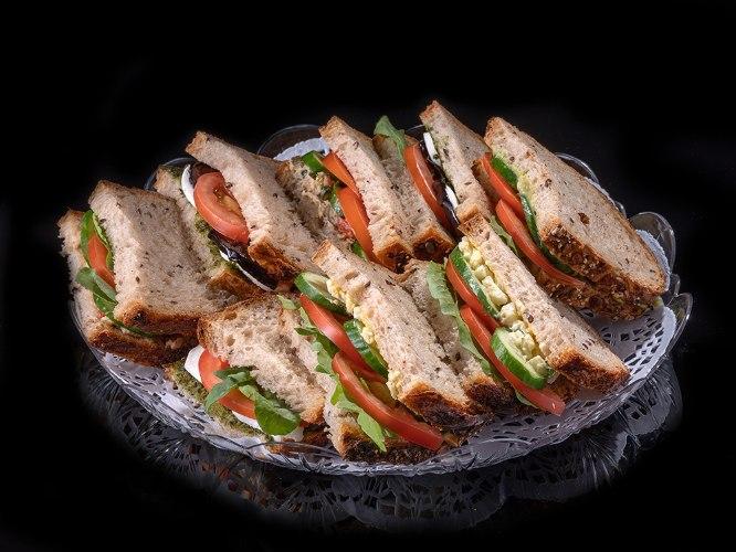 מגש 20 כריכונים בלחם מחמצת