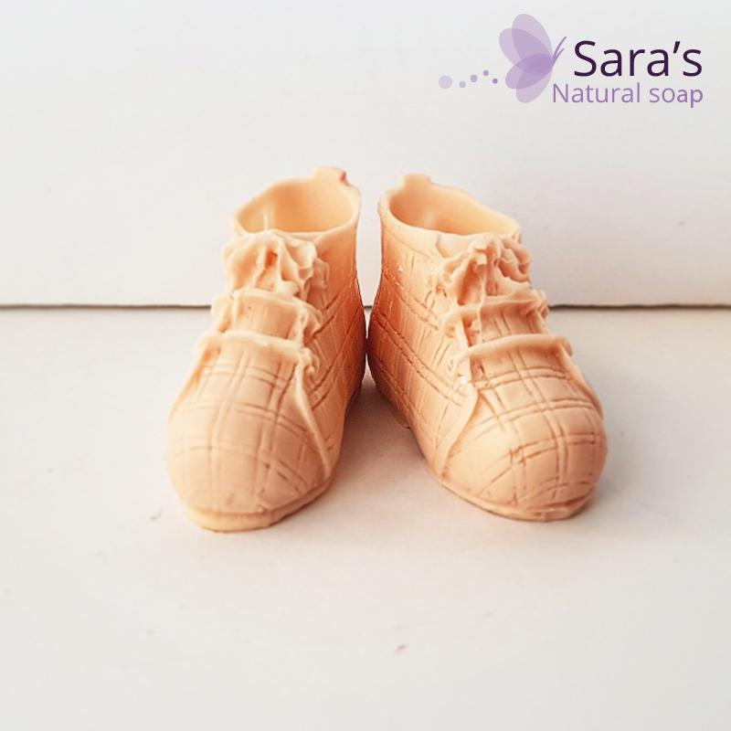מובייל זוג נעלי תינוק ריחני לרכב