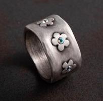 טבעת פרחים