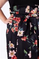 חצאית אודט שחור פרחוני