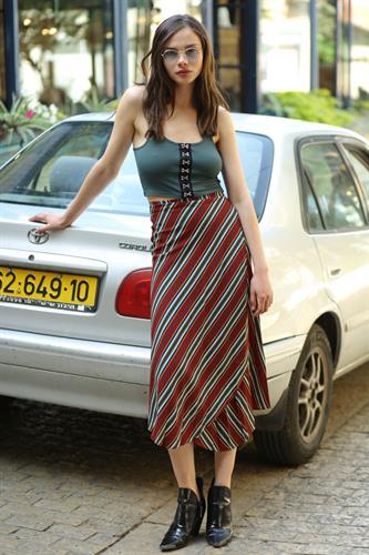 חצאית מעטפת פסים אדום-ירוק