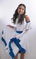 רקדנית ישראלית מסתובבת